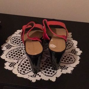 Shoes - New Nine West orange and Black wedge